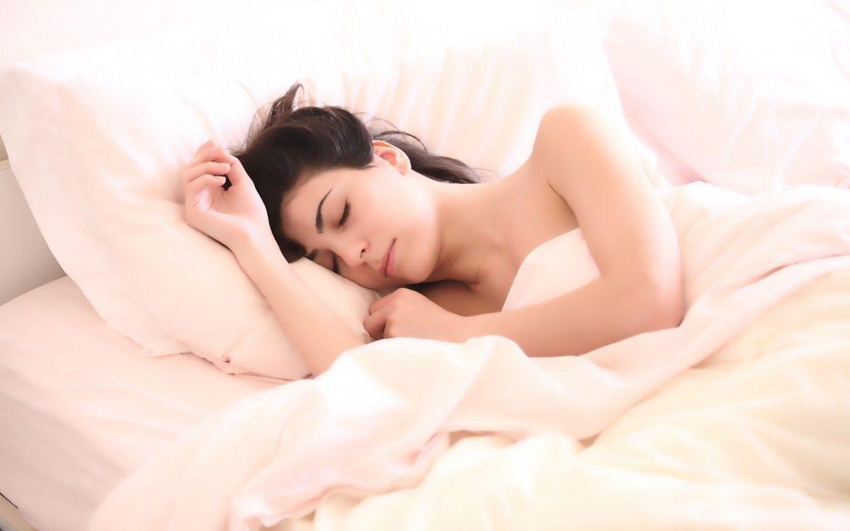 Simak 8 Manfaat Tidur Siang Bagi Kesehatan Kita